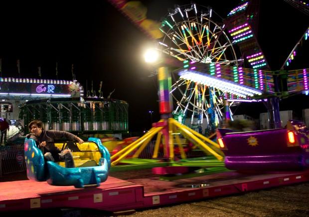 Carnival dark sizzler spin