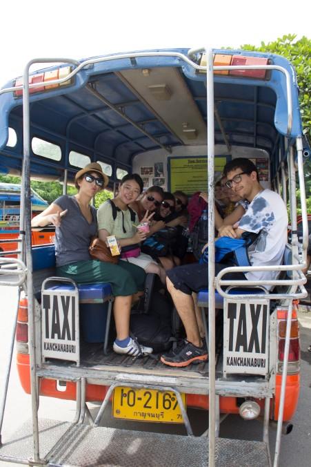 2 bench taxi