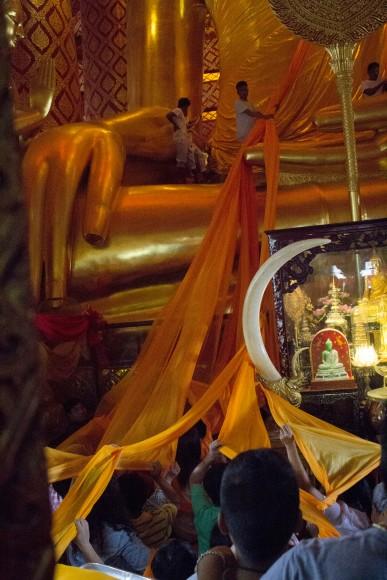 Ayuttaya giant buddha ceremony 5