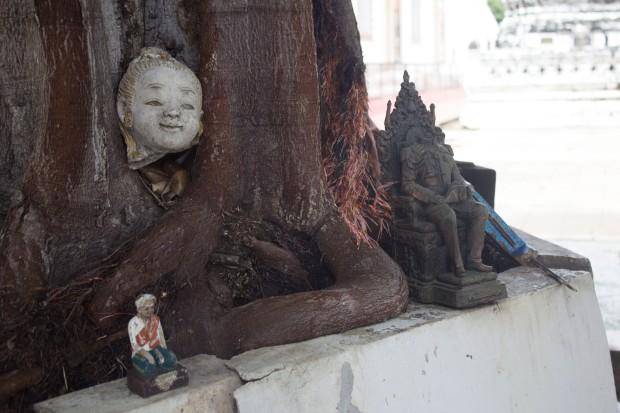 Ayuttaya giant buddha headless objects